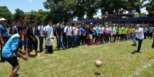 Participan alrededor de 300 jóvenes en torneo de futbol organizado por la UNACH