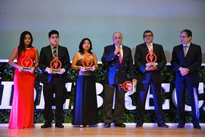 Obtiene UNACH reconocimientos de segundo y cuarto lugar en el Premio Odebrecht para el Desarrollo Sostenible México 2015