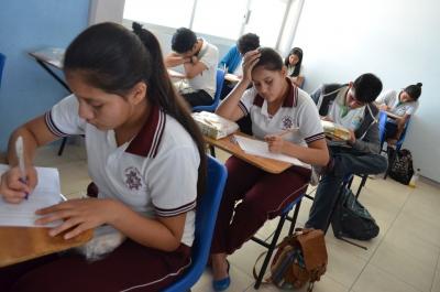 Participaron 170 jóvenes en la Olimpiada Chiapaneca de Física organizada por la UNACH