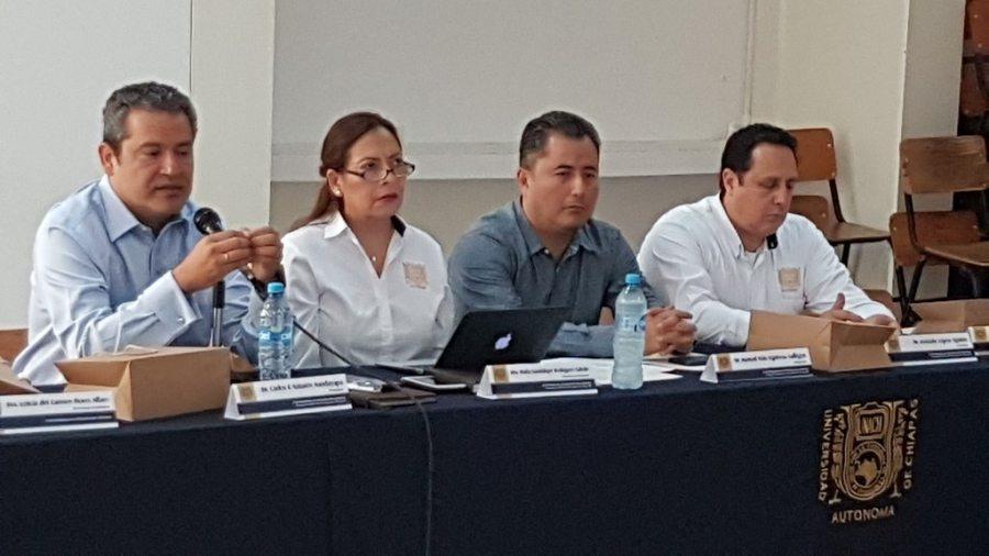 Se reúne el rector de la UNACH, Carlos F. Natarén Nandayapa con el Consejo Consultivo de Investigación y Posgrado