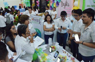 Se realizó con éxito la 45ª Feria de Jóvenes emprendedores en la UNACH