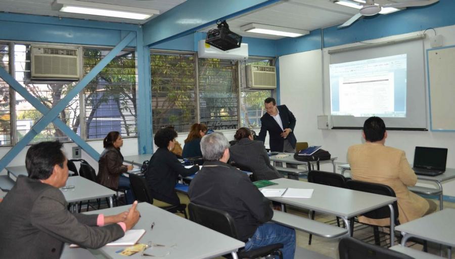 Inician clases alumnos del Doctorado en Gestión para el Desarrollo ofertado por la UNACH