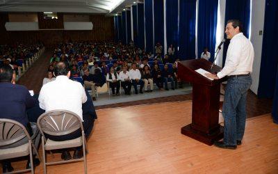 Da rector de la UNACH bienvenida oficial a alumnos de nuevo ingreso a la Facultad de Contaduría y Administración