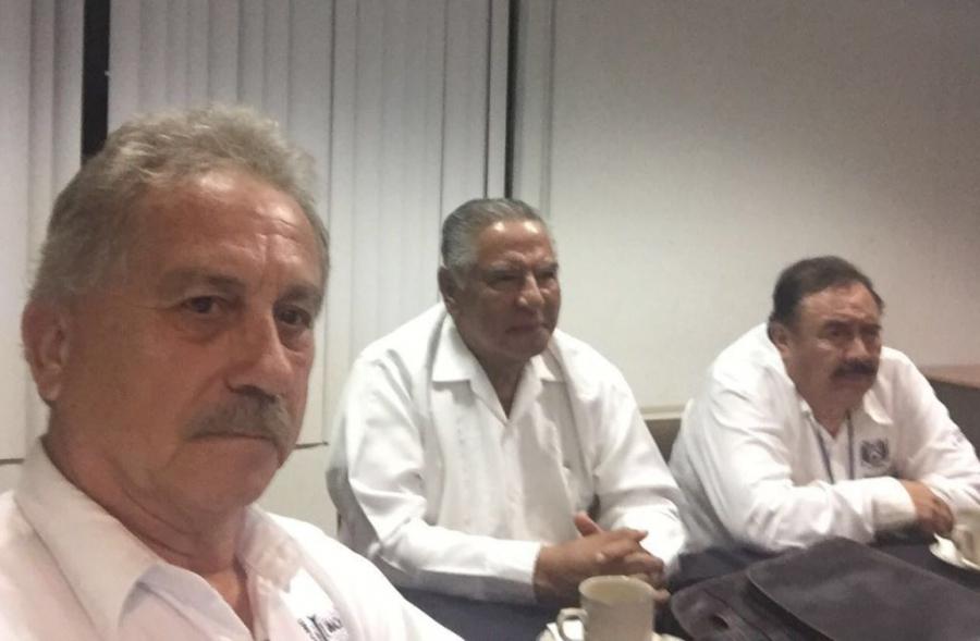 Se reúne el  rector Carlos Eugenio Ruíz Hernández con ex rectores UNACH