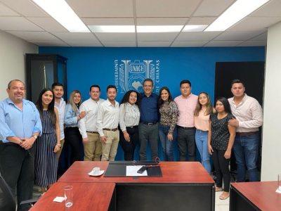 Se reúne el rector de la UNACH, Carlos F. Natarén Nandayapa con alumnos de la Facultad de Derecho