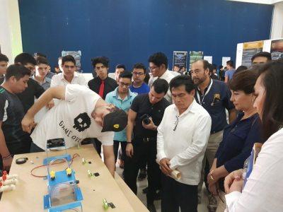 Presentan alumnos de la UNACH proyectos innovadores de utilidad para distintos rubros