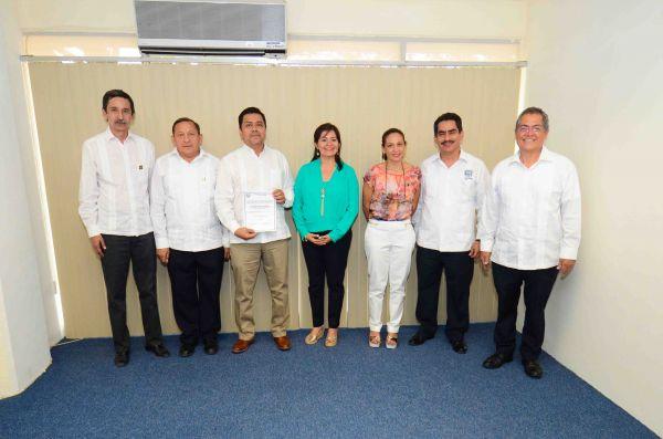 Nombran a Antonio Bolaños Gutiérrez como director de la Escuela de Lenguas Tapachula