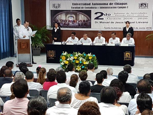 Se consolida la Facultad de Contaduría y Administración, Campus I de la UNACH, con la matrícula de alumnos más grande