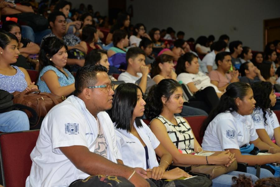 Realiza UNACH la Feria de la Salud PREVENIMSS