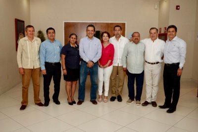 Rector de la UNACH, Carlos F. Natarén Nandayapa, se reúne con directores del Campus IV