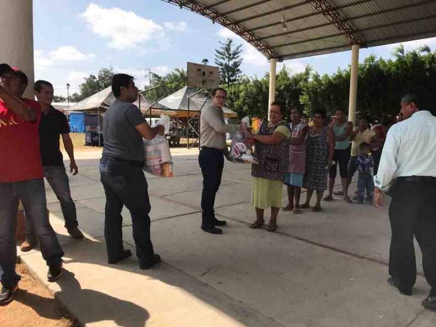 Continúa UNACH la entrega de apoyos a los damnificados por el sismo
