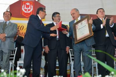Participa el rector de la UNACH, Carlos Eugenio Ruiz Hernández en la celebración del 40 aniversario de la UAT