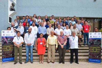 Reúne UNACH a expertos en Física y Matemáticas de talla internacional