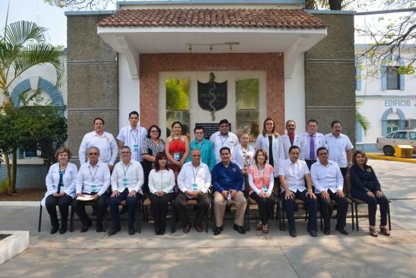 Reúne UNACH a especialistas médicos de distintas partes del país