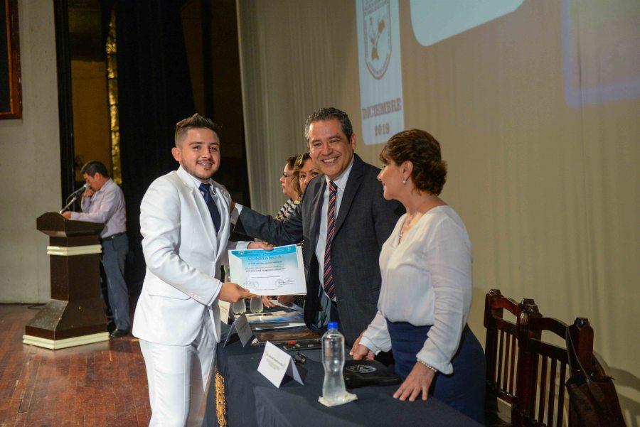 Celebra UNACH graduación de  egresados  de la Facultad de Medicina Humana Campus II