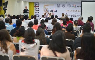 Se presenta el escritor Carlos Bracho en la Quinta Feria Internacional del Libro Chiapas – Centroamérica