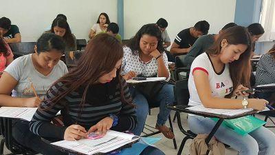 Más de 3 mil 600 jóvenes presentan el examen de admisión para el ciclo escolar enero-junio 2018