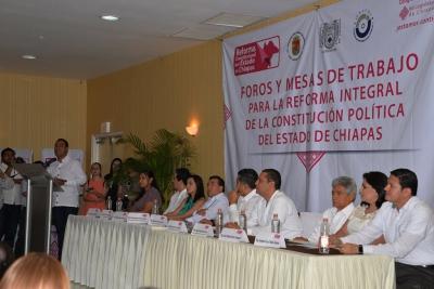 Aporta UNACH conocimientos y experiencias a los Foros de Consulta para la Reforma de la Constitución del estado.