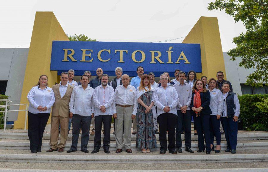 Entregan reconocimiento internacional a la Licenciatura en Gestión Turística de la UNACH