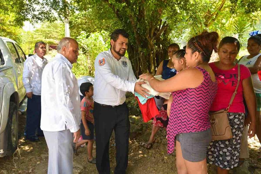 Continúa UNACH su labor de apoyo a los damnificados por el sismo