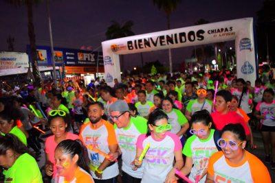 En el Campus IV. Celebra UNACH la 6ª Carrera Atlética Universitaria Nocturna Neón 5k