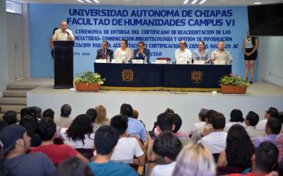 Certifican a nivel nacional las licenciaturas en Comunicación y  Bibliotecología y Gestión de Información