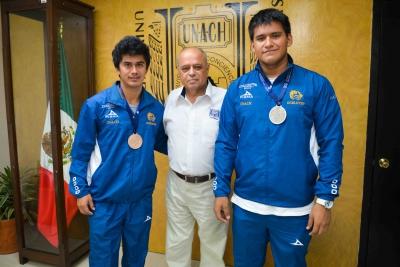 Rector de la UNACH se reúne con jóvenes medallistas de la UNIVERSIADA 2016