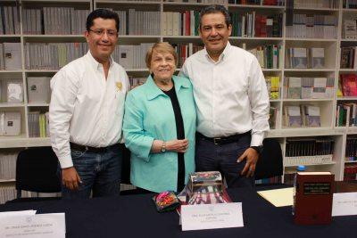 Imparte la destacada jurista Elvia Arcelia Quintana Adriano conferencia magistral sobre Derecho Mercantil en la UNACH
