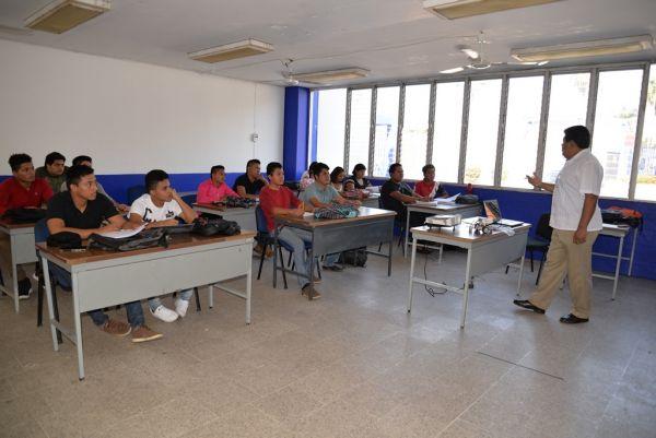 En Tapachula Inician clases la primera generación de alumnos de  Ingeniería en Desarrollo y Tecnologías de Software en el Campus IV UNACH